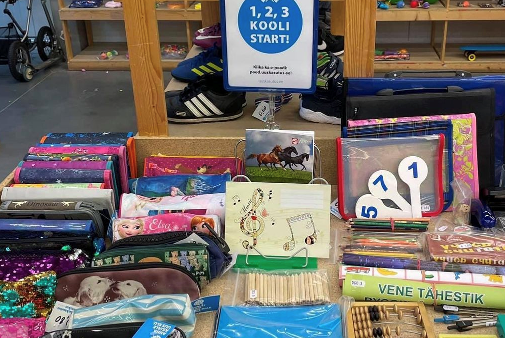 Back to school? Save money and the environment through second-hand!